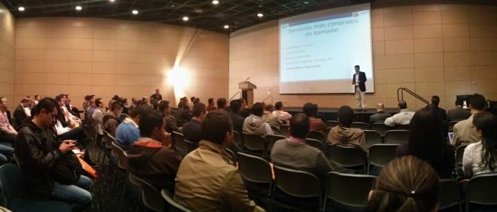 Conferencia de Juan Oliva
